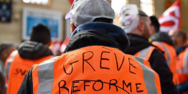 SNCF-la-greve-continue-les-negociations-s-enlisent